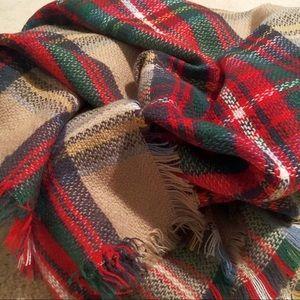 Zara-esque plaid blanket scarf Never worn!